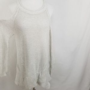 Willow & Clay Sweaters - NEW Willow & Clay Cold Shoulder Sweater Pearl Knit